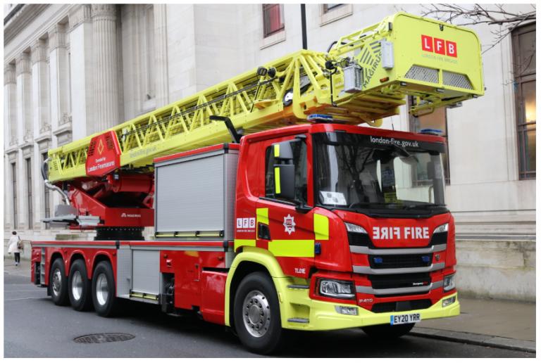 London Freemasons donate equipment to London Fire Brigade